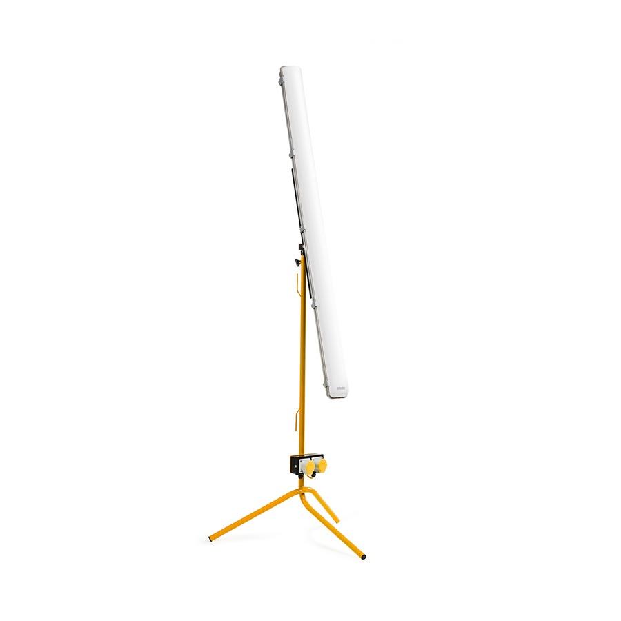 BW-Defender-E709285-1-Studio-FV.jpg
